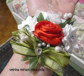 Corsage / bracciale con rose per sposa o damigelle