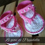 Sandalini infradito bimba rosa con perle, idea regalo.