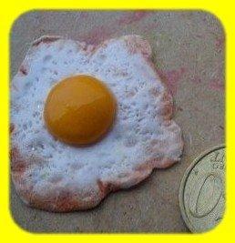 calamite da frigo: uova al tegamino