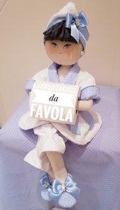 Bambola portarotolo azzurra e bianca