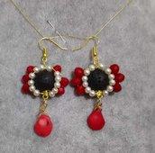 Orecchini pendenti donna corallo rosso pietra lavica nera perle cerate bianche