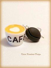 Orecchini caffé con chicco di caffé e tazzina di caffé in fimo e resina, gioielli caffé, regalo motivazionale per amante del caffé