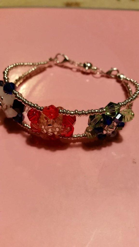 braccialetto tre fiori