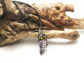 Collana con civetta portafortuna in pasta di mais/porcellana fredda, modellato e dipinto a mano