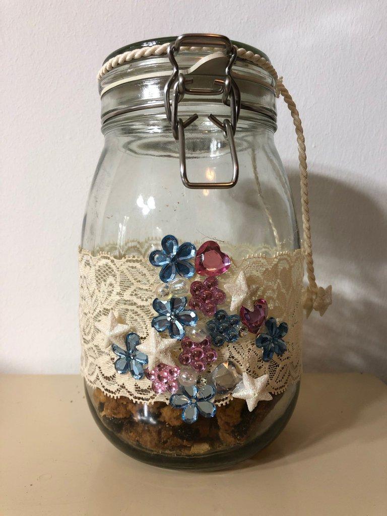 Barattolo in vetro decorato