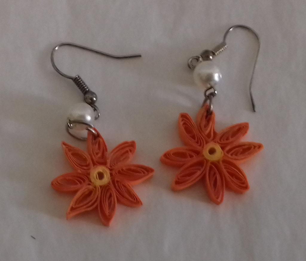 Orecchini fiori quilling