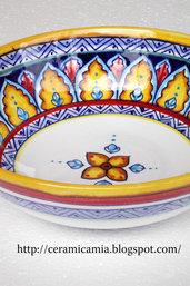 Bolo di ceramica dipinto a mano