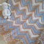 Copertina neonato onde beige azzurro - uncinetto