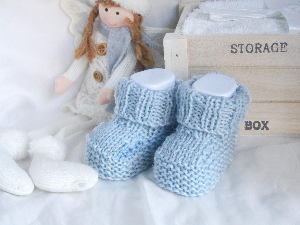 Scarpine lana neonato neonata realizzate a mano a maglia - azzurro