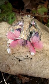 Orecchini farfalle su basi e monachelle in acciaio con perle di fiume naturali gioielli bigiotteria fatto a mano
