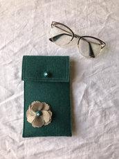 Porta occhiali in feltro realizzato a mano
