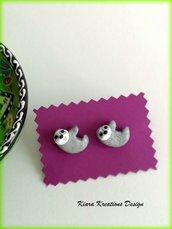 Orecchini bradipo in fimo, orecchini da lobo con bradipo, gioielli bradipo per regalo amanti del bradipo, gioielli animali, gioielli natura