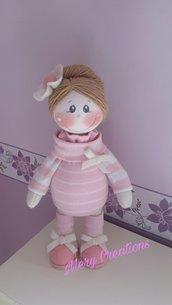 Bambola Rosmery, bambina, arredamento, idea regalo, fiori.