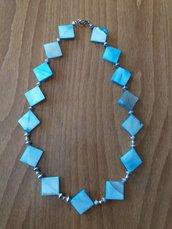 Collana girocollo con madreperla azzurra e argento tibetano