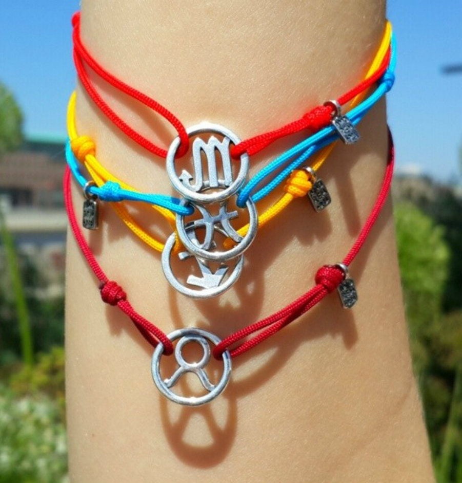 Bracciale di corda con pendente charm in argento Capricorno, fatto a mano