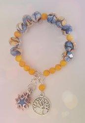 Bracciale con perle in vetro dai colori della  primavera con ciondolo diffusore per regalo. Porta fortuna