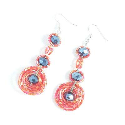 Orecchini wire con perline e cristralli, rosso e nero, pezzo unico, modello originale, modello esclusivo, nichel free, idea regalo per compleanno.