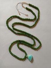 Collana lunga verde prato