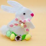 Coniglio pasquale bianco, portaovetti 15 cm