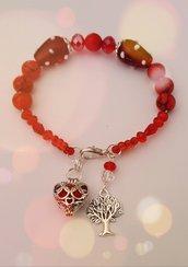Bracciale con perle rosse per regalo festa della mamma con cuore/amore e ciondolo diffusore aromi