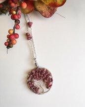 Collana con ciondolo albero della vita con pietre dure di rodonite e filo di rame argentato