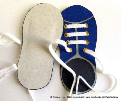 Scarpetta didattica per insegnare ai bambini ad allacciarsi le scarpe