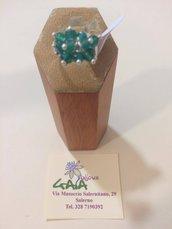 Anello regolabile con base metallica, palline in agata verde