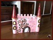Catello porta pannolini per bimbi piccoli e castello giocattolo per bimbi più grandi