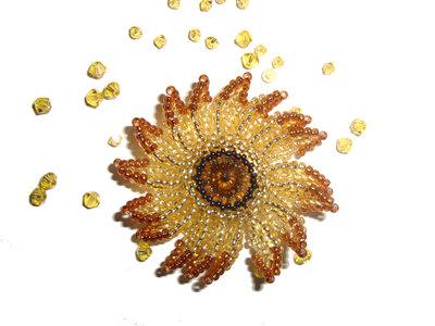 Fiore d'oro Spilla