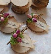 Segnaposto in legno,personalizzabili con nome,boccioli di rosa e muschio,per matrimonio country chic