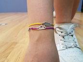 Bracciale di corda con pendente charm in argento RUN, fatto a mano
