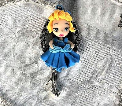 Principessa in fimo, collana con ciondolo