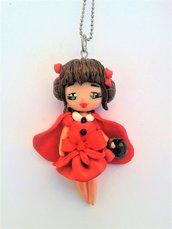 Bambolina in fimo Cappuccetto rosso, collana con doll in fimo modellato a mano