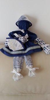 Graziosa e originale bambolina  realizzata a mano con asciugapiatti e presine guarnite con merletti a piegoline  e fiocchetti di raso