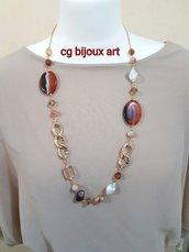 collana lunga con agata piatta striata marrone catena dorata e mezzi cristalli