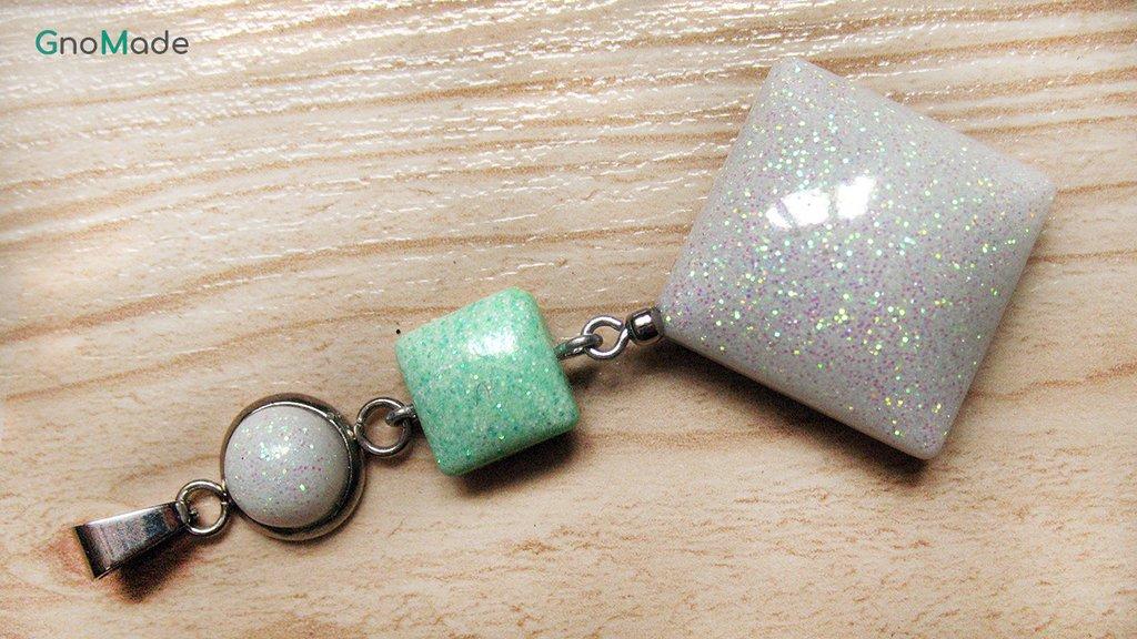 CIONDOLO 4LEVELS 8 - bianco e verde menta con glitter opalescenti - atossico e nichel free