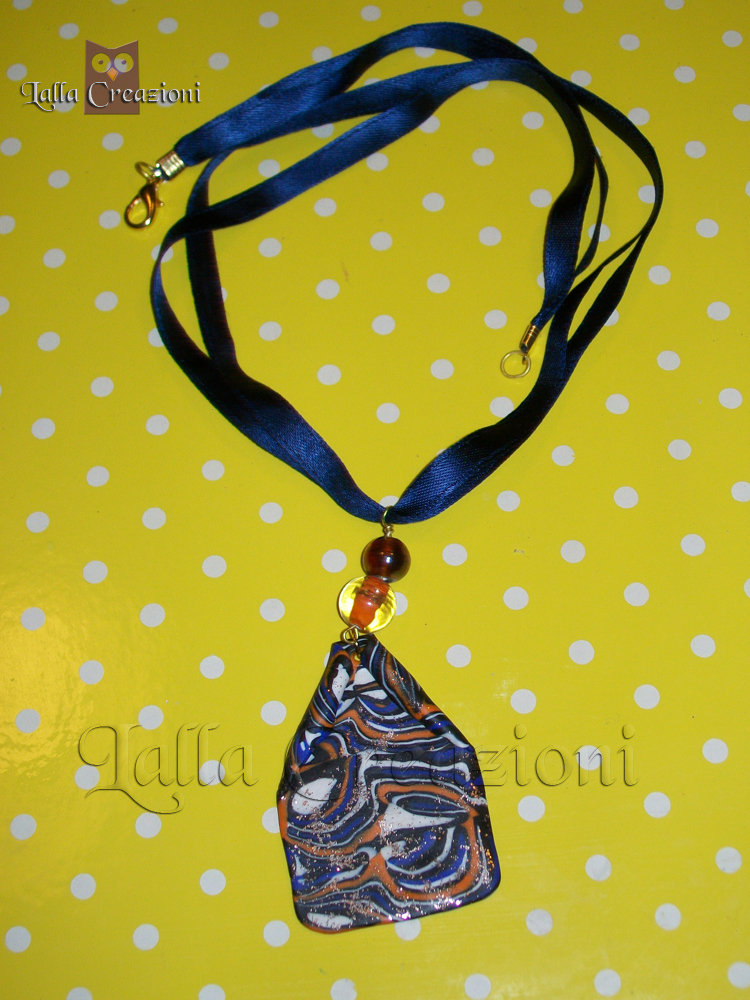 Collana ciondolo multicolor