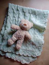 copertine ai ferri neonato lana merinos  - copertina nascita fatta a mano - copertina farfalle verde acqua per culla e carrozzina
