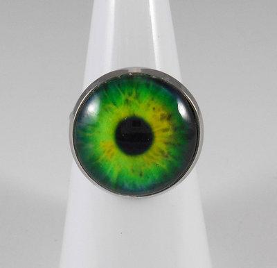 Anello con cabochon occhio iride verde