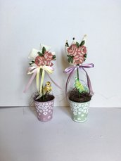 Vasi con fiori di stoffa, vasetti ornamentali, fiori handmade profumati alla lavanda