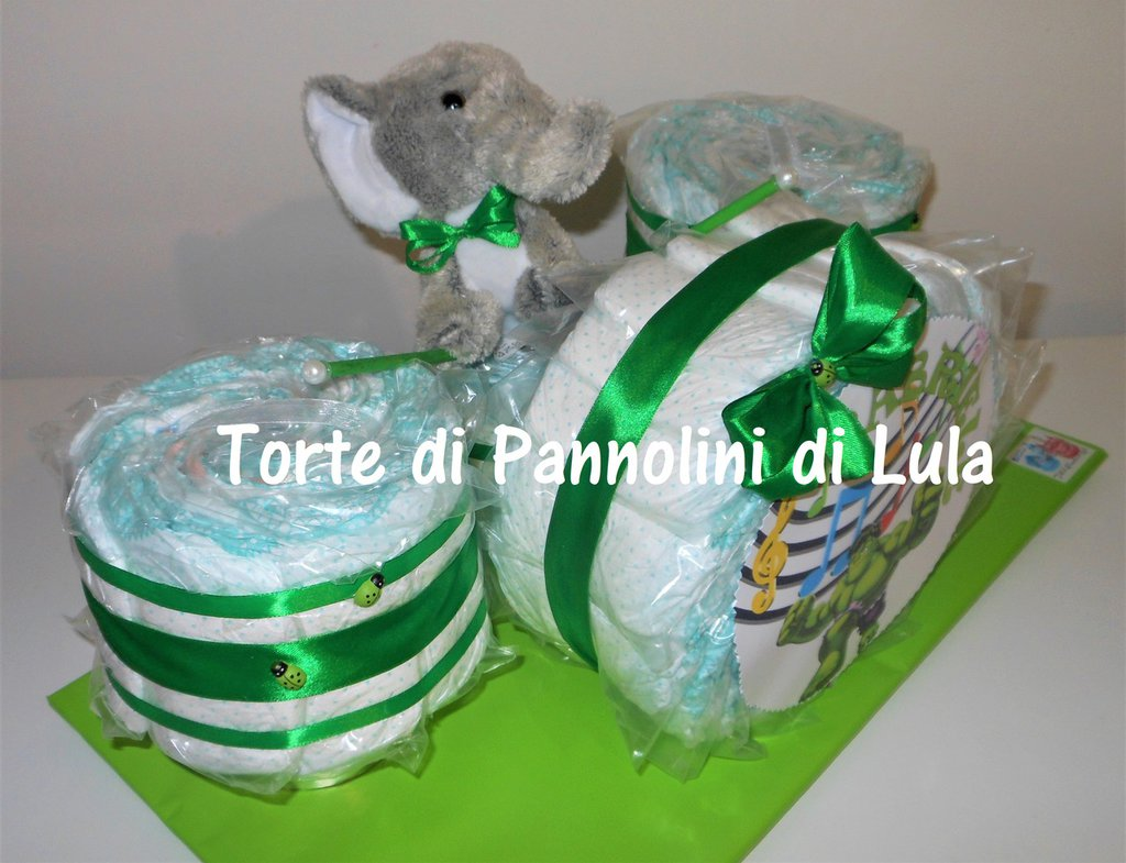 Torta Pannolini Pampers Batteria azzurra maschio Musica Peluche idea regalo nascita battesimo