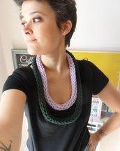 Collana multigiri lila e verde scuro