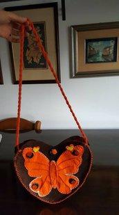Borsetta in feltro e pannolenci : voli di farfalle in un prato di primavera.