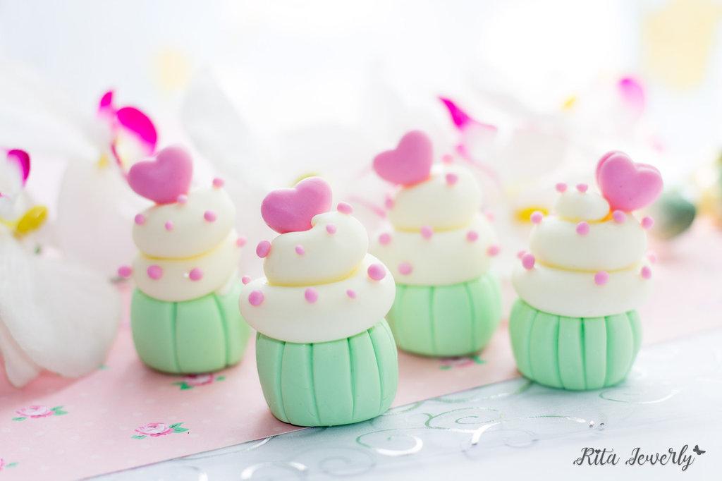 Cupcake, Cupcake Fimo, Cupcake, Dolci Fimo, segnaposto in fimo, bomboniere fimo, bomboniera bambina fimo, bomboniere wedding, bomboniere matrimonio fimo, Bomboniere matrimonio artigianali in fimo,