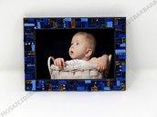 Cornice Porta Foto 10x15 cm decorata in Mosaico sulle tonalità del Blu e Oro con texture Lineare