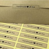 """72 Etichette adesive rettangolari con scritta """"Handmade with love"""" con cuore colore Marrone 75x13mm Chiudipacco"""