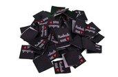 """25 Etichette in Tessuto Quadrata con scritta """"Handmade with Amore/Cuore"""" colore Nero, Bianco, Rosso 20x20mm"""