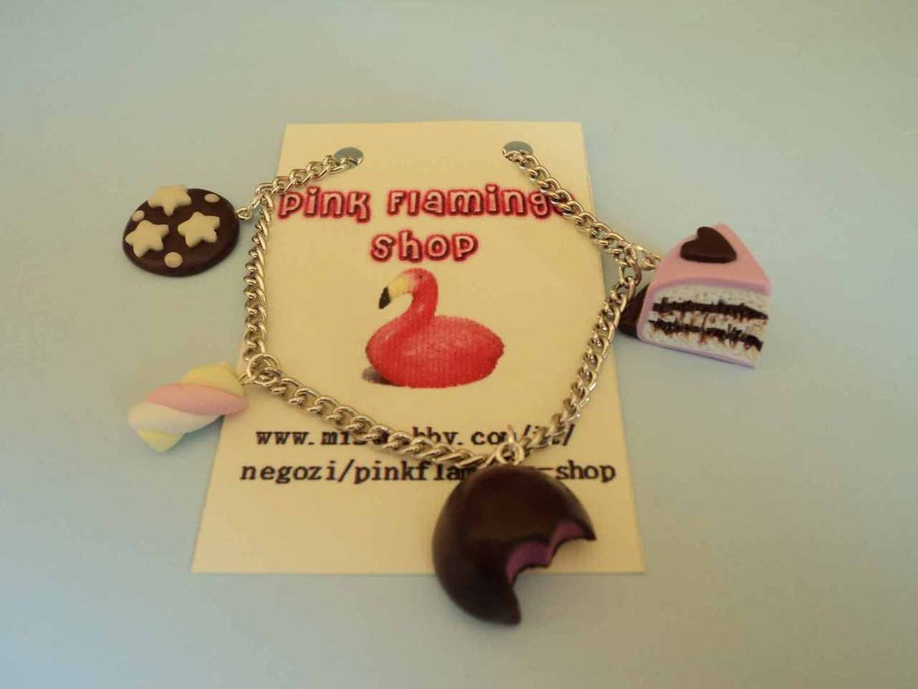 Braccialetto goloso in Fimo con Pan di Stelle, fetta torta, cioccolatino e marshmallow