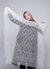 Scialle, ricamo, stola lana, scialle di lana, mantello di lana, mantellino, scialle bianca
