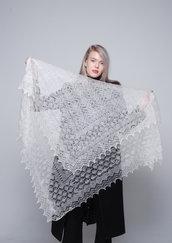 Scialle, stola lana, scialle di lana, mantello di lana, mantellino, scialle bianco